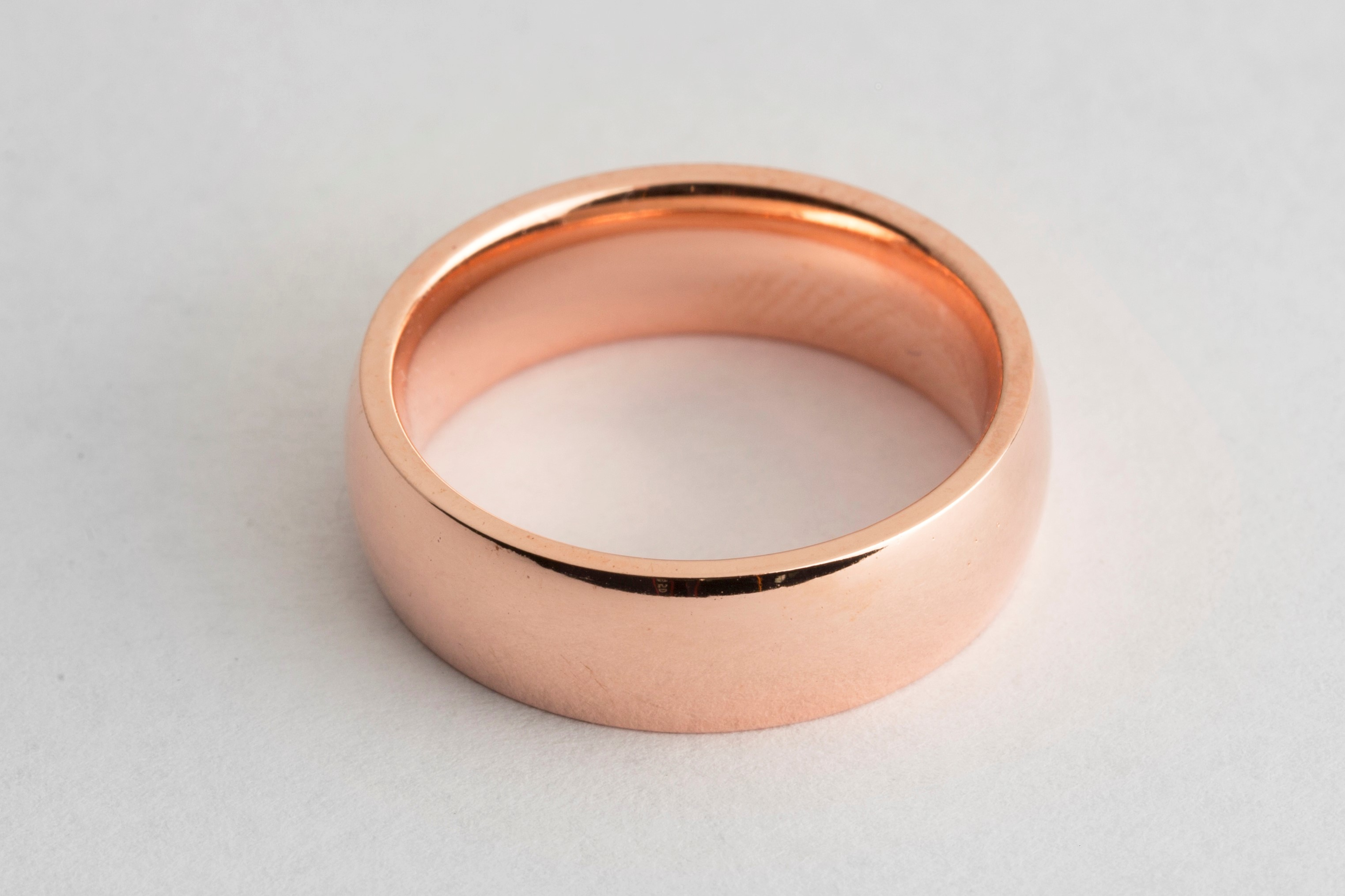 Wedding ring electroplated in rose gold solution